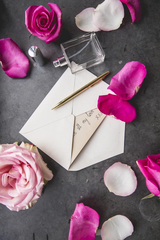 Des lettres d amour parfum es la joie des fleurs for Bouquet de fleurs 7 lettres