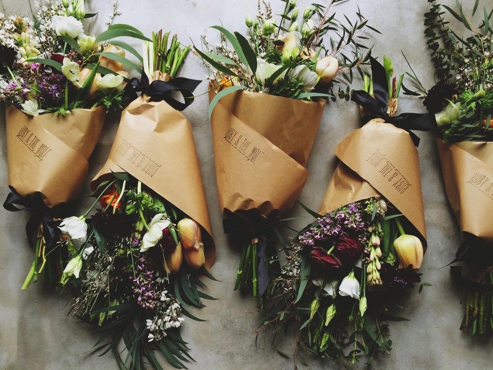 le cadeau id al la joie des fleurs. Black Bedroom Furniture Sets. Home Design Ideas