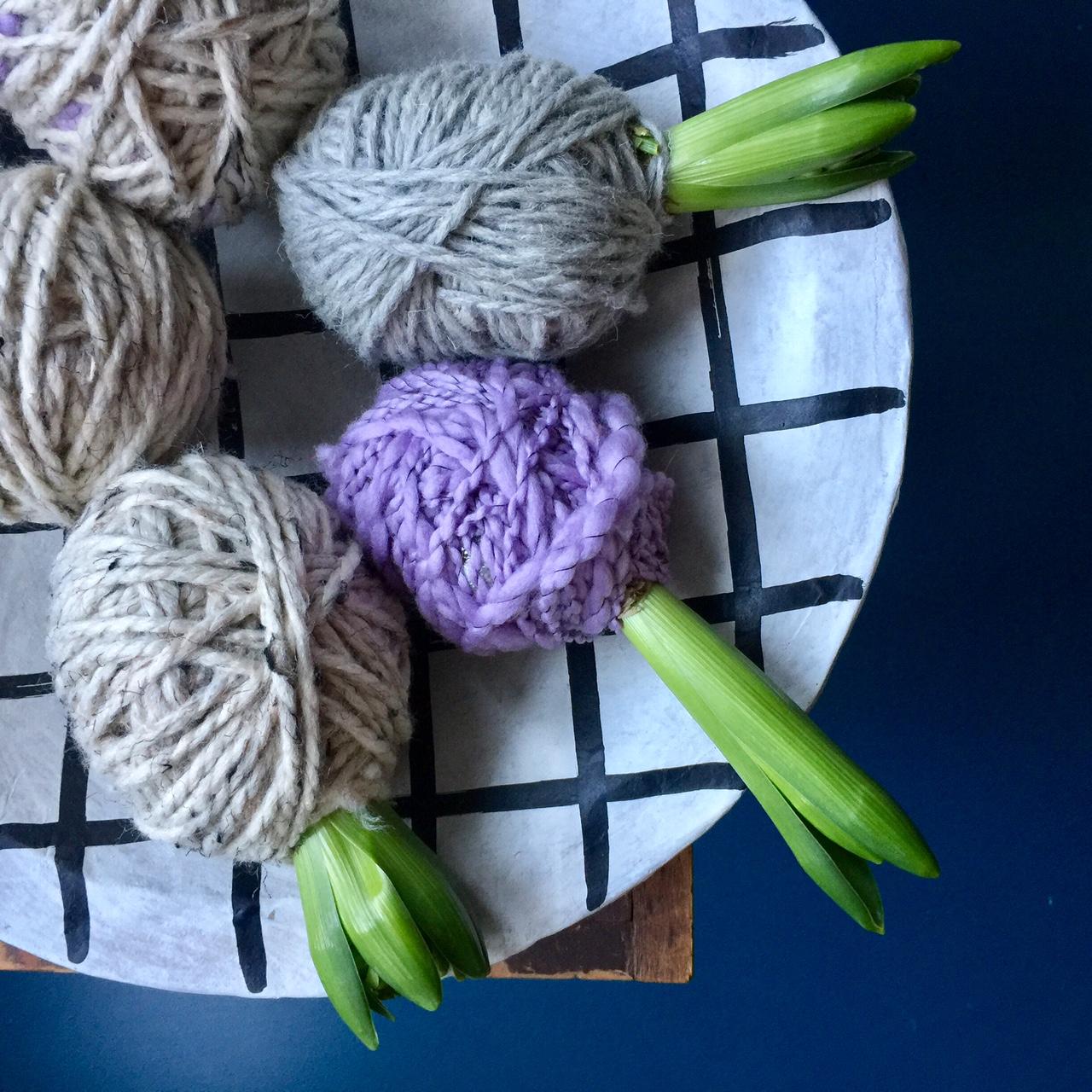 un paquet cadeau original pour vos fleurs la joie des fleurs. Black Bedroom Furniture Sets. Home Design Ideas